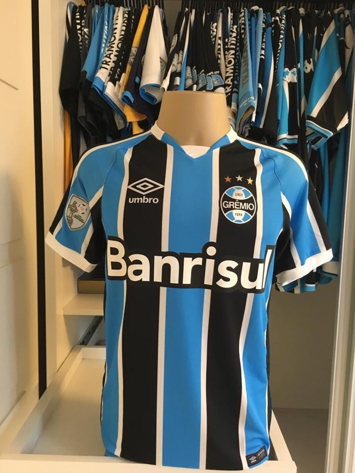 e8e5aeedfaee4 Tricolor Libertadores 2016 – Umbro – Camisas do Grêmio
