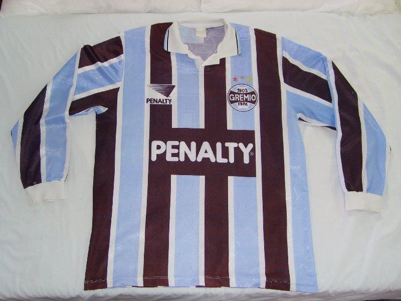 cc83f45865 Rara camisa tricolor sem patrocínio da Coca-Cola preparada em 1994 pela  Penalty. A camisa provavelmente foi usada na Copa do Rei (Kings Cup)  disputada na ...